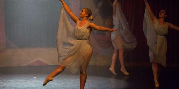 Ballet Di 2000-16